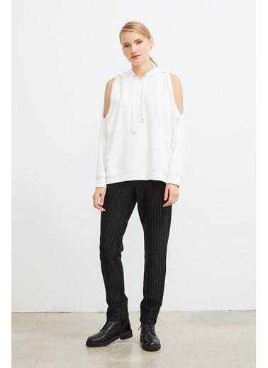 Love My Body Omuzları Açık Kapüşonlu Sweatshirt Beyaz
